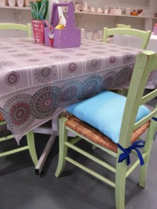 Color Café new table covers